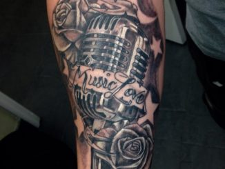 Vintage box mic and roses